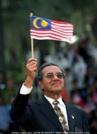 Anwar, Nik Aziz pengkhianat bangsa Melayu: Dr.M